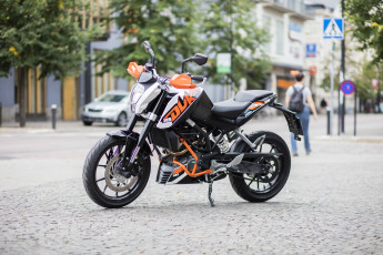 Motorcykel KTM 125 Duke
