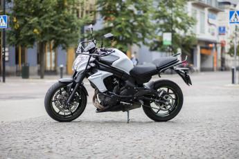 Motorcykel Kawasaki ER-6